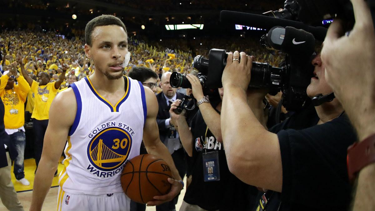 Stephen Curry, tras lograr el pase a las Finales de la NBA. (Getty)