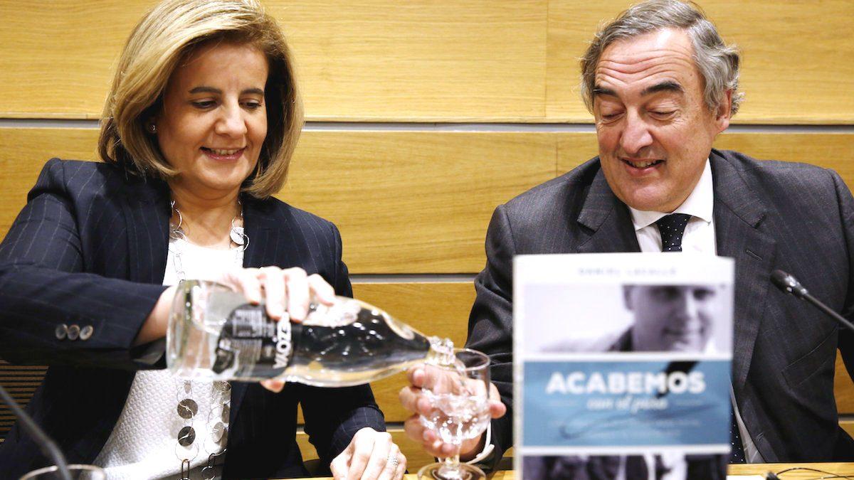 La ministra de Empleo, Fátima Bañez, junto a Juan Roselll (Foto: EFE).