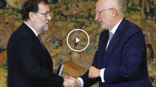 El presidente del Gobierno, Mariano Rajoy con Juan Roig, presidente de Mercadona. (Foto: EFE)
