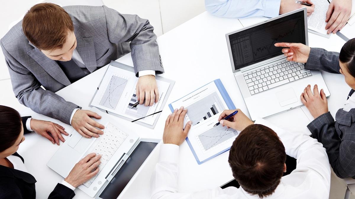 Reunión de trabajo. (Foto: iStock)