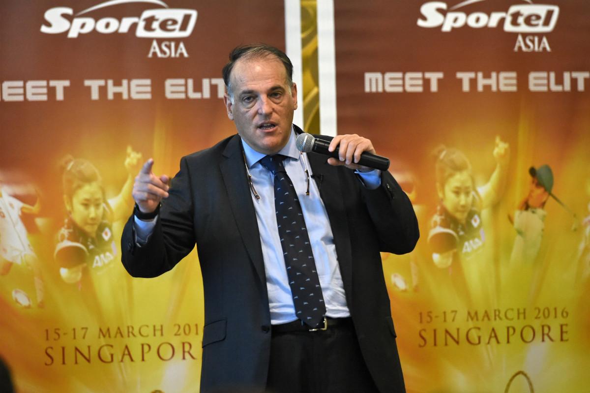 Javier Tebas, en la presentación de un evento. (AFP)
