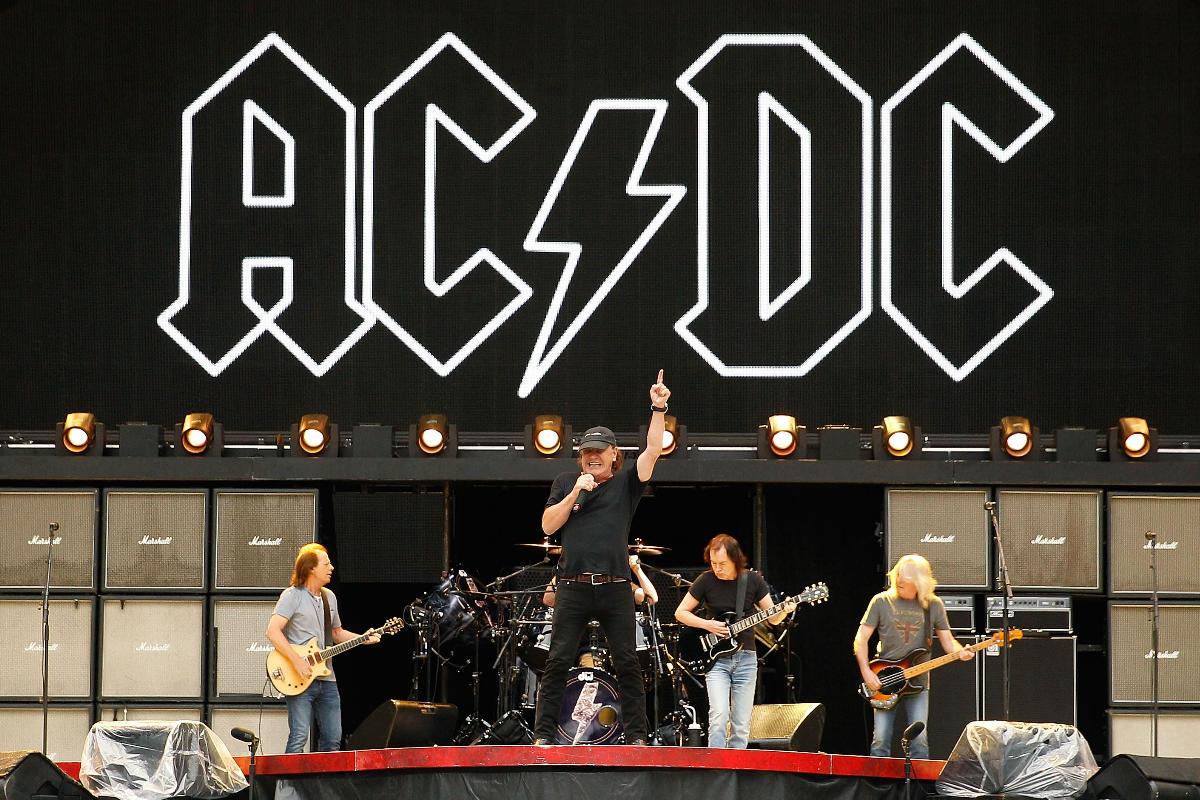 La mítica banda de rock con el cantante que será sustituido por Axl Rose en su concierto de Sevilla. (Foto: Getty)