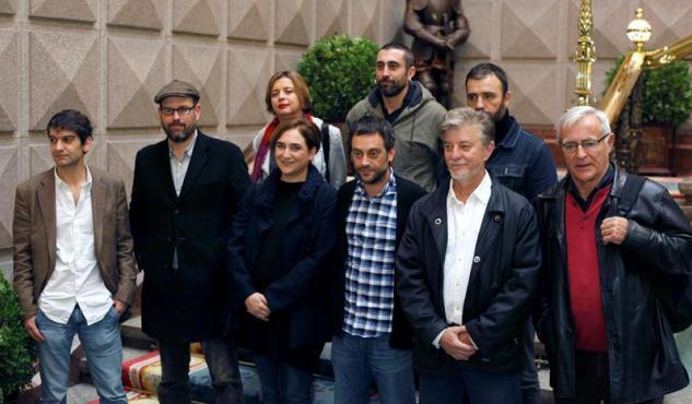 """Los """"alcaldes del cambio"""" en Galicia. (Foto: EFE)"""