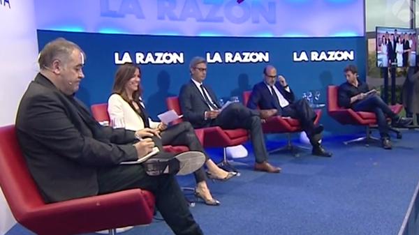 Antonio García Ferreras y Pablo Motos arroparon en el acto de presentación del libro a sus autores Javier Bardají y Rocío Robles. (Foto: Antena3)