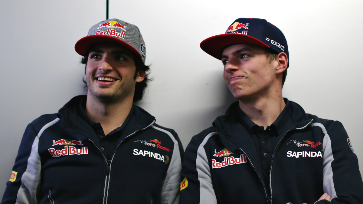 Carlos Sainz, junto a Max Verstappen. (Getty)