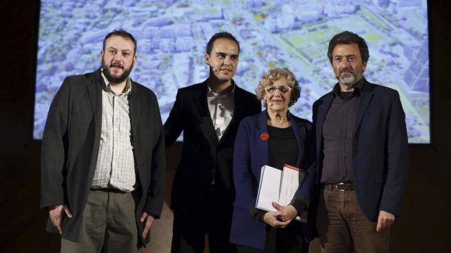 Guillermo Zapata, José Manuel Calvo, Manuela Carmena y Mauricio Valiente –edil de Chamartín– presentando Madrid Puerta Norte. (Foto: EFE).