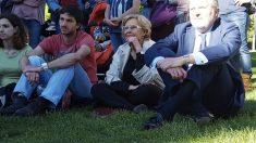 La alcaldesa Carmena en un parque en Madrid. (Foto: Madrid)