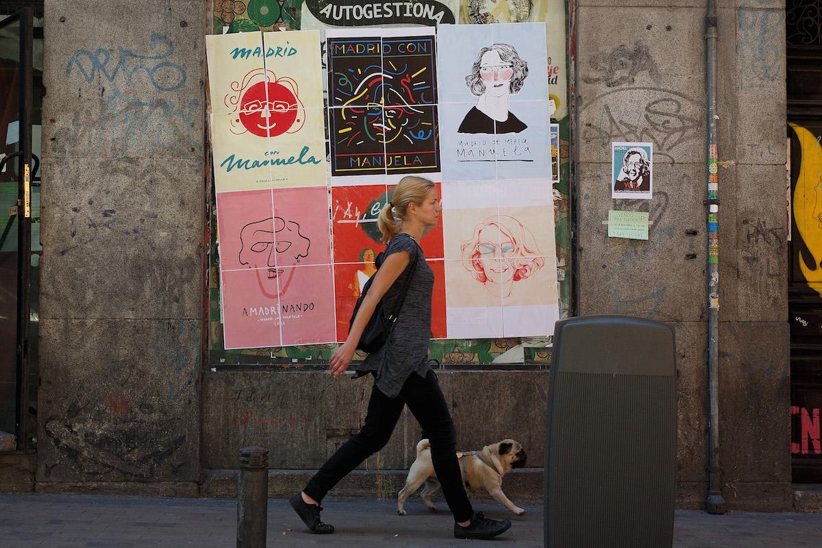 Carteles de la exjueza Carmena en sitios ilegales. (Foto: GETTY)