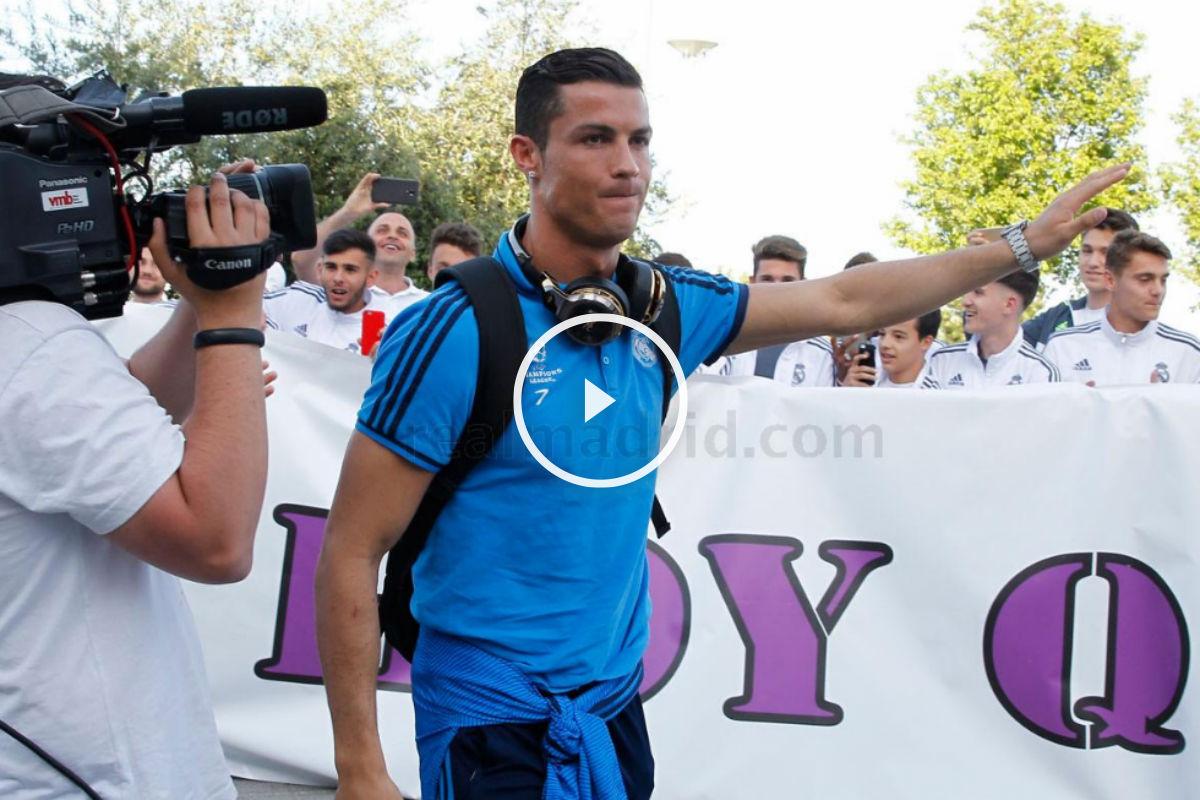 Cristiano Ronaldo, rodeado de canteranos.