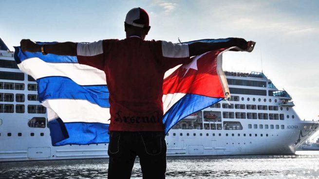 El primer crucero entre EEUU y Cuba en 50 años llega a La Habana
