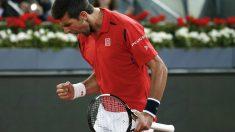 Djokovic celebra su victoria ante Nishikori. (Reuters)
