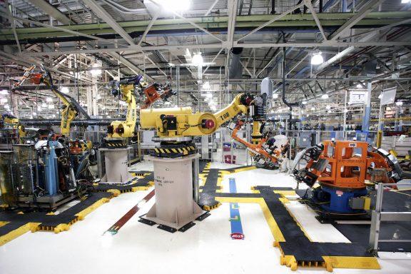 Factoría automovilística robotizada