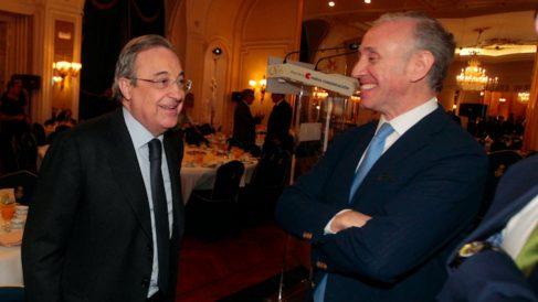 Florentino Pérez y Eduardo Inda. (Foto: Paco Toledo)