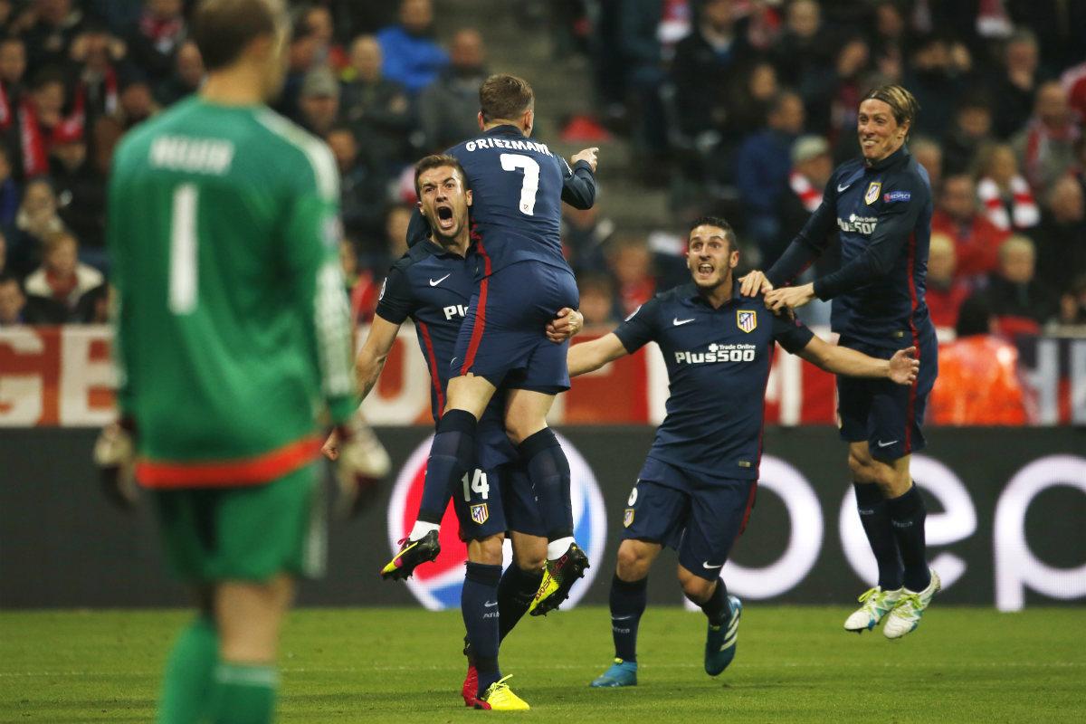 Los jugadores del Atlético celebran el gol de Griezmann. (Reuters)