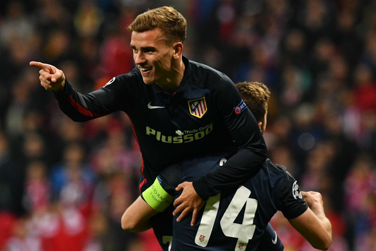 Griezmann celebra su gol al Bayern. (AFP)