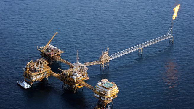 Explotación petrolera iraní en el Golfo Pérsico