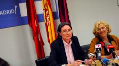 Marta Higueras, concejal de Vivienda, y Manuela Carmena en rueda de prensa. (Foto: Madrid)