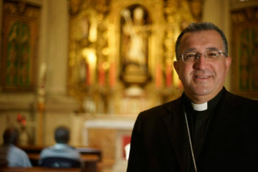 El Presidente de la Comisión Episcopal que firma el documento sobre la piratería, Mons. Ginés Ramón García Beltrán (Obispo de Guadix)