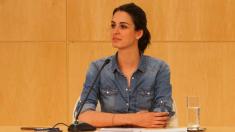 La portavoz de 28 años ante los medios en el Palacio de Cibeles. (Foto: Madrid)