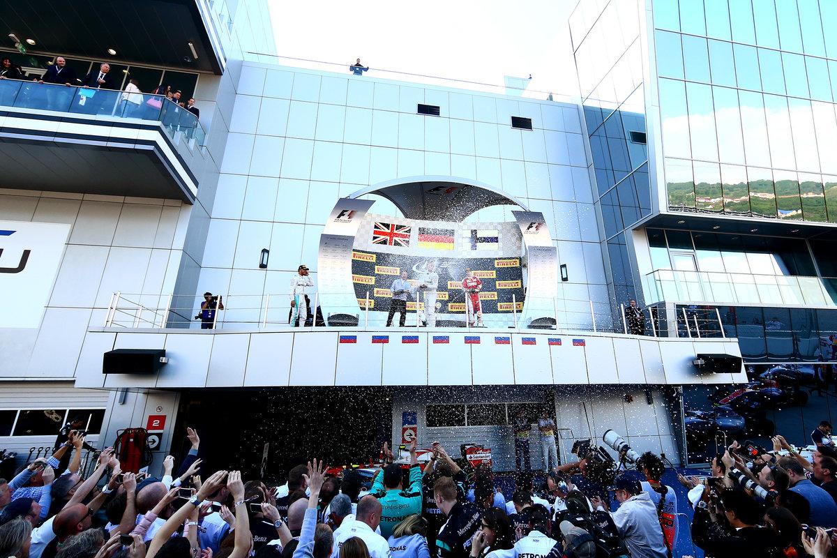 Podio del GP de Rusia donde Alonso fue sexto (Getty)