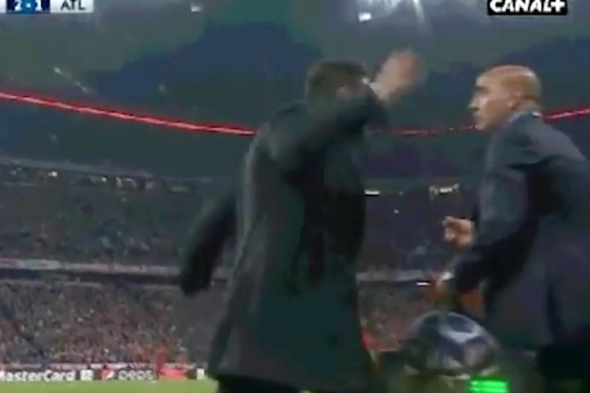 Simeone golpeó al delegado del Atlético.