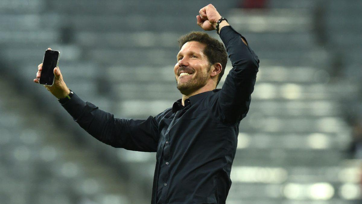 Simeone celebra la clasificación. (AFP)