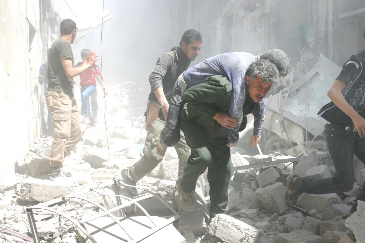 Imagen de un reciente bombardeo en Siria (Foto: AFP).