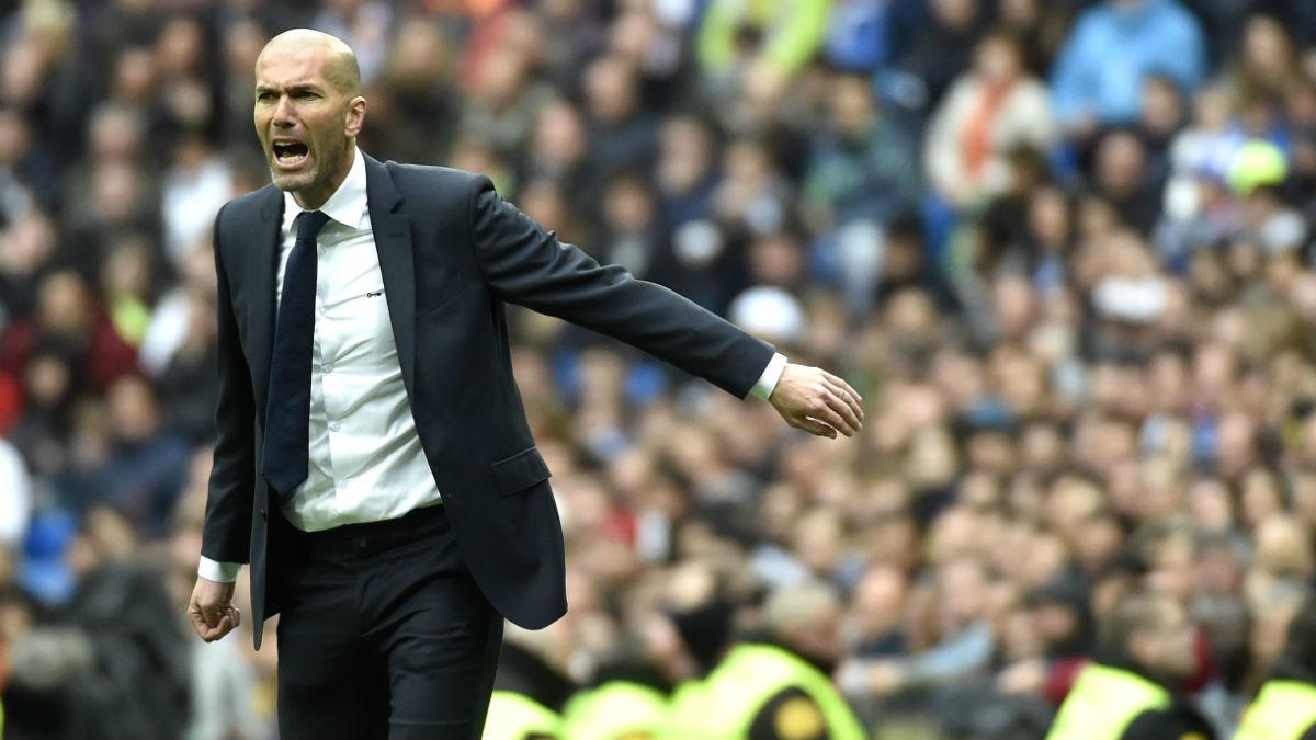Zinedine Zidane, en el partido ante el Athletic. (AFP)