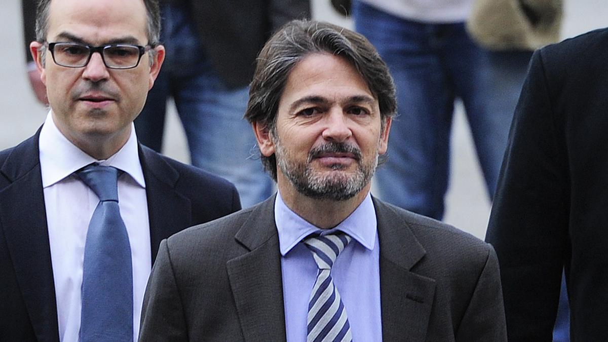 Oriol Pujol Ferrusola (condenado en el caso ITV) junto a Jordi Turull, condenado por su participación en el golpe de Estado del 1-O (Foto: AFP).