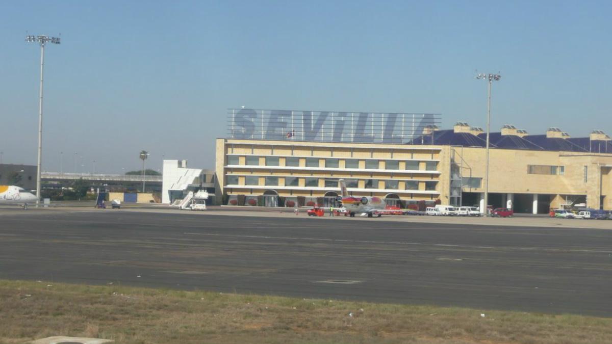 La mujer, víctima de violencia machista, murió a manos de su marido que escondió el cadáver en una nave cercana al aeropuerto San Pablo de Sevilla.