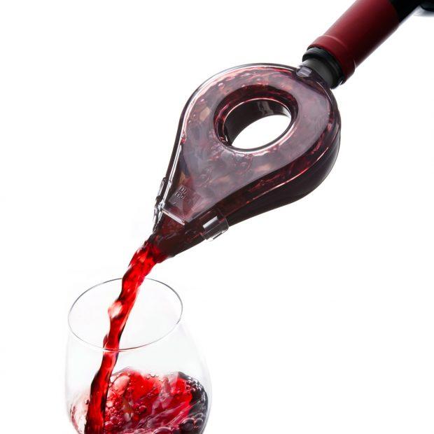 ¿Es realmente necesario 'airear' o decantar un vino? Cuándo y cómo hacerlo