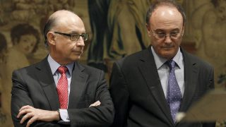 El gobernador del Banco de España. Luis María Linde y el ministro de Hacienda, Cristóbal Montoro. (Foto: EFE)