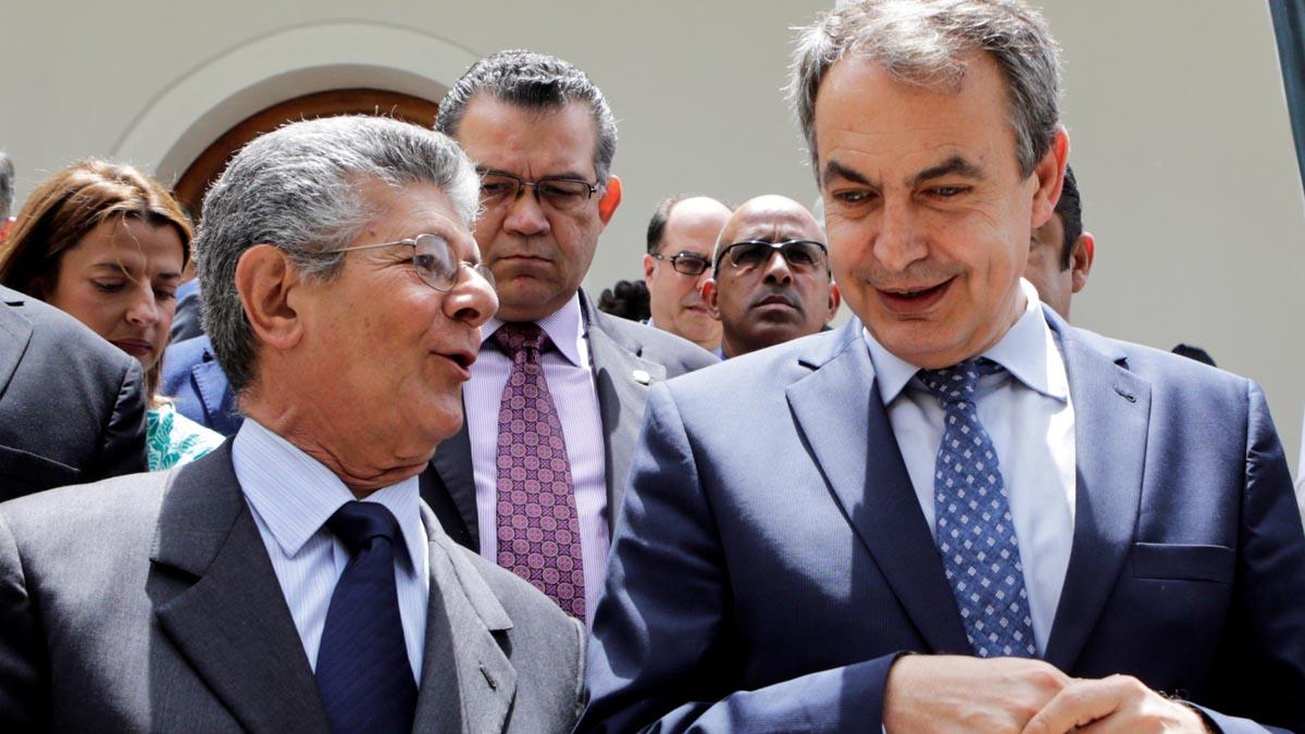 José Luis Rodríguez Zapatero con el presidente de la Asamblea Nacional Henry Ramos Allup (Foto: Reuters)
