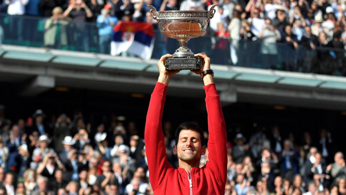 Djokovic levantó por fin su primera Roland Garros. (AFP)
