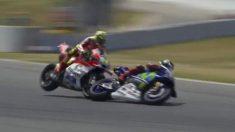 Iannone se llevó por delante a Lorenzo.