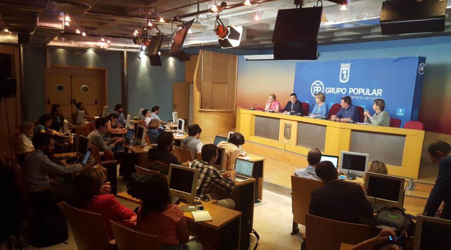 Esperanza Aguirre en rueda de prensa. (Foto: PP)
