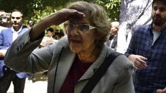 La alcaldesa Carmena en el Parque del Retiro. (Foto: AFP)