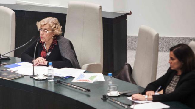 Ciudadanos y PP piden explicaciones a Carmena por cargarse a la interventora general «por ideología»