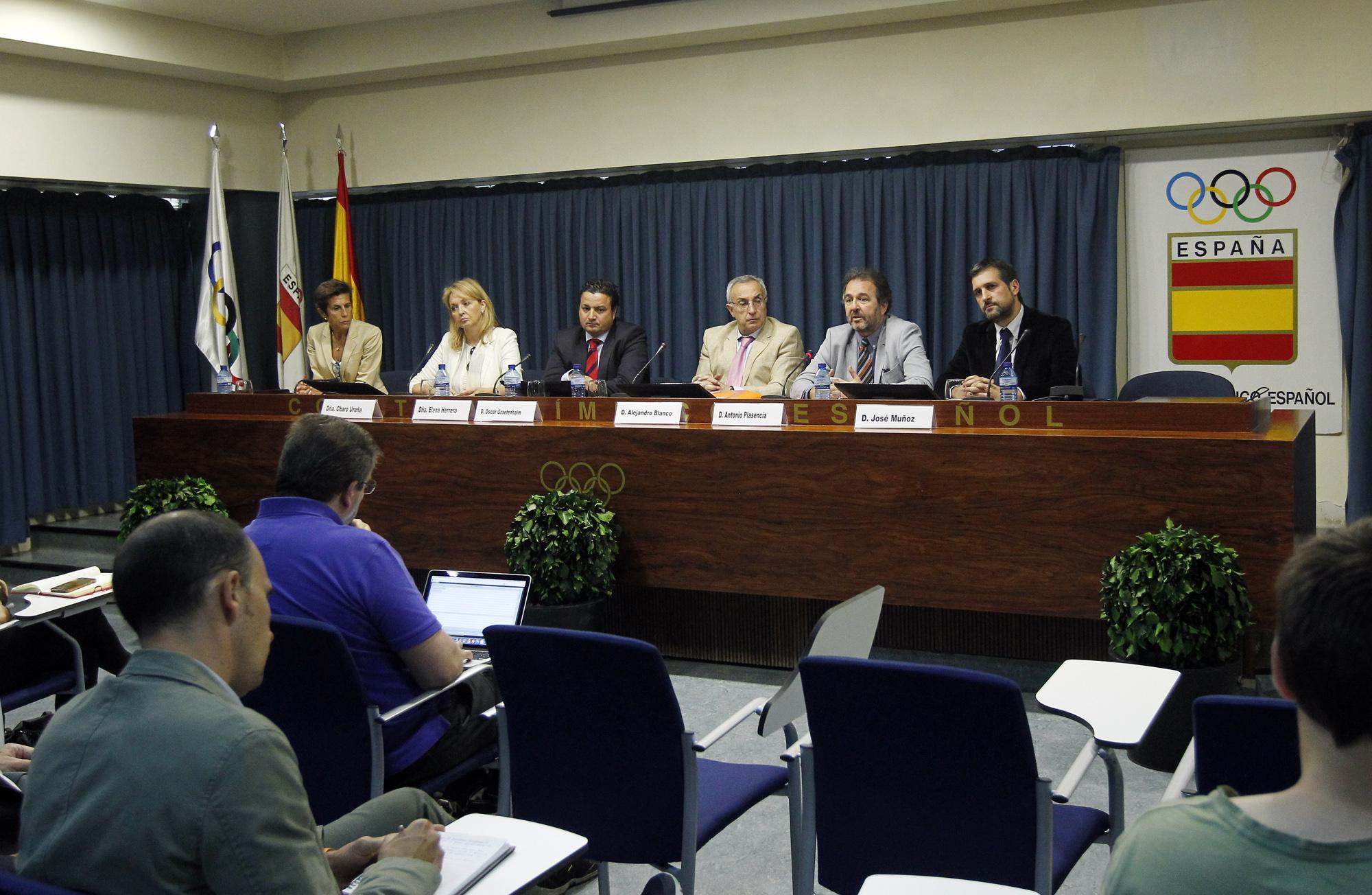 Alejandro Blanco, presidente del COE, comparece ante los presidentes de Federaciones. (COE)