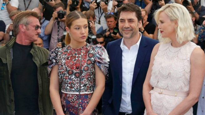 Charlize Teron y Javier Bardem: abucheo de su película 'The Last Face' en Cannes