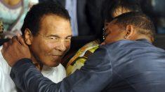 Will Smith saluda a Muhammad Ali. (Foto: AFP)