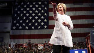 Hillary Clinton en una de sus intervenciones en campaña (Foto: Getty)