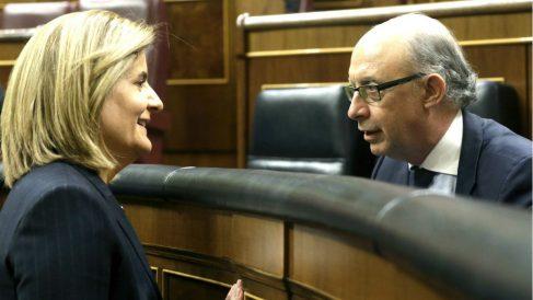 La ministra de Empleo, Fátima Báñez, y el ministro de Hacienda, Cristóbal Montoro. (Foto: EFE)
