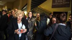 La alcaldesa Carmena disfrutando de un café. (Foto: Madrid)