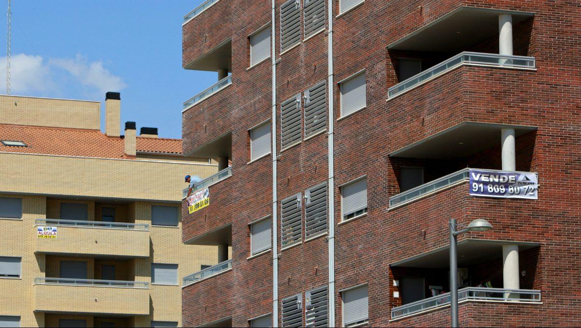 La mayor a de los pisos que tienen los bancos en sus balances valen menos de euros - Pisos de bancos en madrid ...