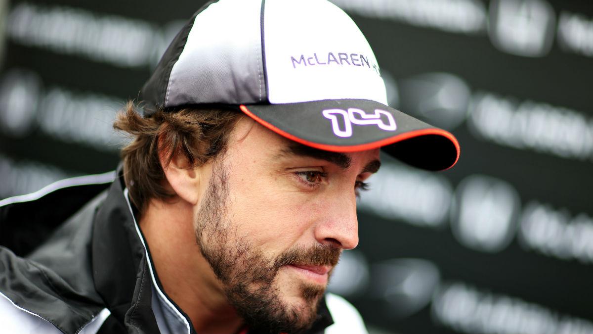 Fernando Alonso se resigna con el rendimiento de su McLaren. (Getty)