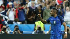 Payet celebra el 2-1 de Francia ante Rumanía. (AFP)