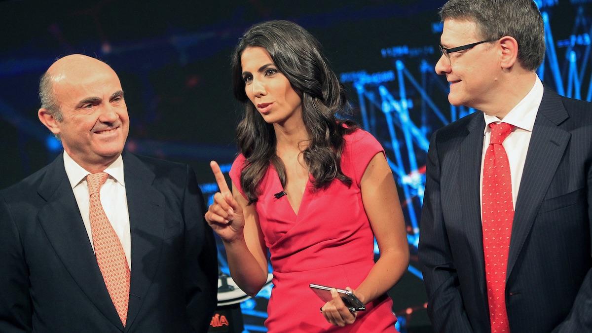 De Guindos y Sevilla, junto a Ana Pastor, en el debate económico de La Sexta. (Foto: EFE)