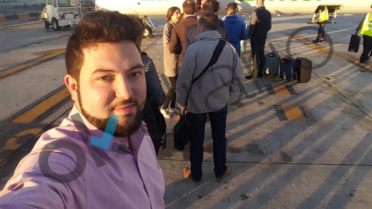 El presunto pederasta en un aeropuerto. (OKD)