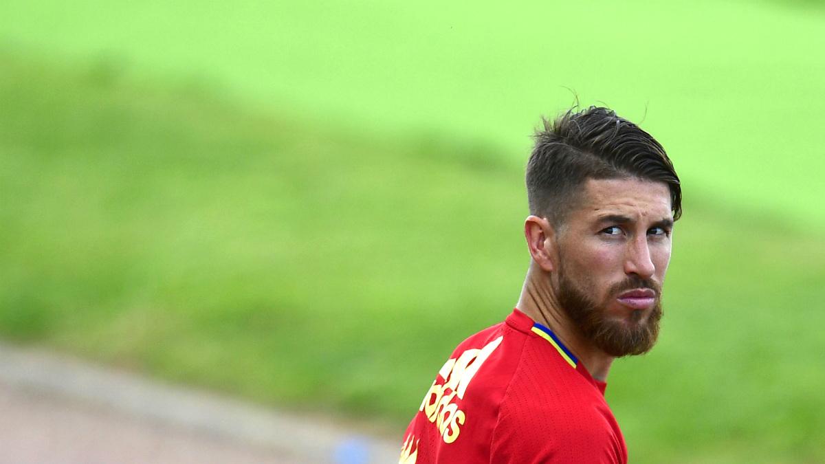 Sergio Ramos, antes de un entrenamiento con España. (AFP)